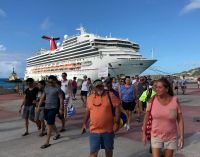 Carnival Sunshine passengers were welcomed on Monday to the destination in a festive atmosphere.