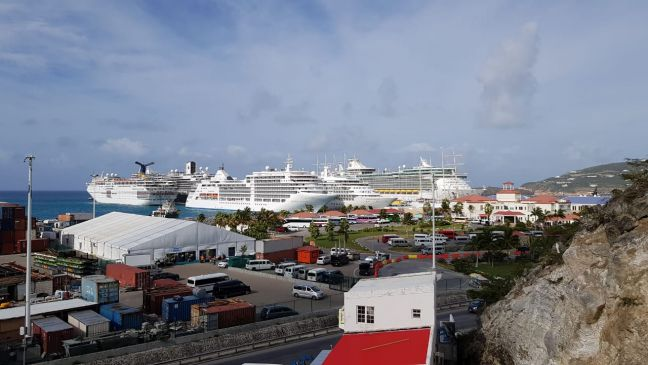Port St. Maarten, seven ships in port on Saturday.