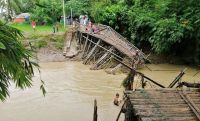 UNHCR helps thousands hit by monsoon storms in Rohingya refugee camps , by UNHCR