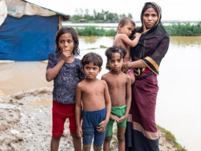 Monsoon destroys Rohingya shelters, sparking record UN emergency food agency response in Bangladesh
